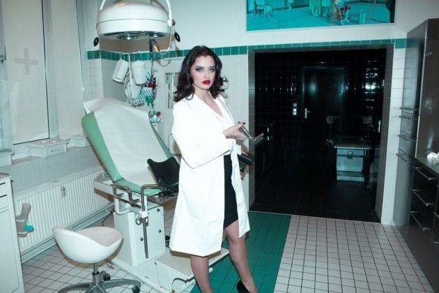 Mistress Bella Lugosi (9)