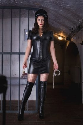 Mistress Bella Lugosi (7)