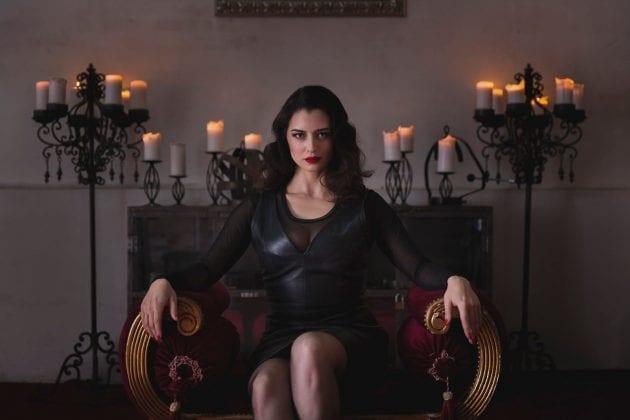 Mistress Bella Lugosi (8)