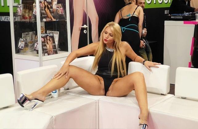 Tatjana Young (9)